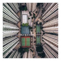 Gary Cummins - Alone in the crowds - Hong Kong
