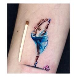 Anjelika Kartasheva - tattoo dancer