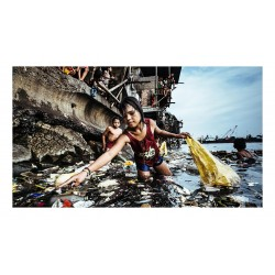 Hartmut Schwarzbach - The harbor of Manila s Tondo district