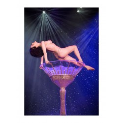 Dita Von Teese - Famous bath in a champagne glass set...