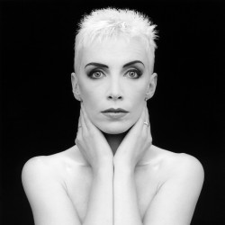 Robert Mapplethorpe - Annie Lennox - 1989
