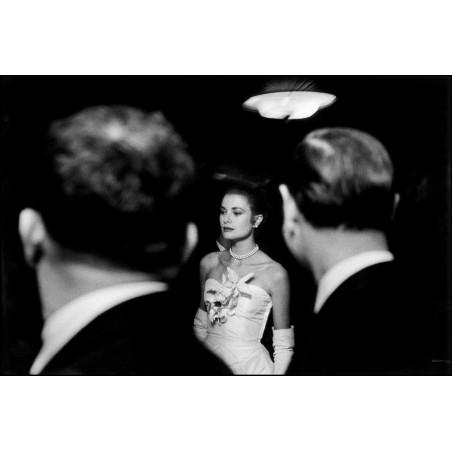 Elliott Erwitt - Grace Kelly - NY 1956