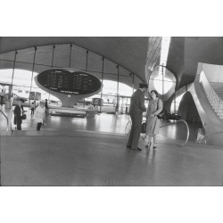 Garry Winogrand  - Kennedy Airport NY