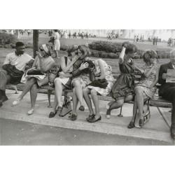 Garry Winogrand  - World s Fair - NYC 1954