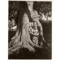 Isidore van Kinsbergen - Statue of deity with...