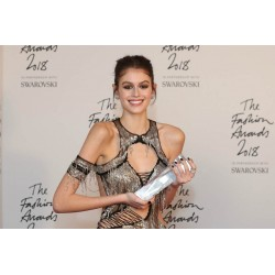 Kaia Gerber - wins Model of the Year 2018 at The Fashion Awards_topm