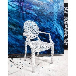 Pokras Lampas - custom Phillipe Starck Louis Ghost chair_pa_stil