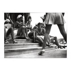 Jacques Henri Lartigue - Girls on steps_ph_bw_vint_mast
