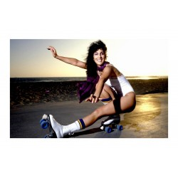 Douglas Kirkland - Cher - Venice Beach 1979_ph_vint_topm_mast