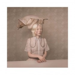 Justine Tjallinks - portrait