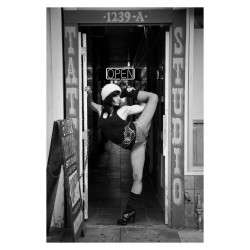 Acey Harper - Acrobats serie 1_ph_bw_nude_aceyharper.com