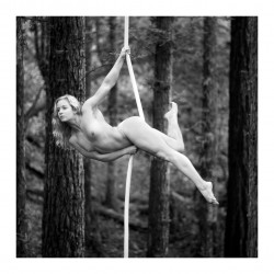 Acey Harper - Acrobats serie 8_ph_bw_nude
