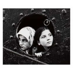Mary Ellen Mark - Turkish Immigrants - 1965_ph_bw_repo_vint