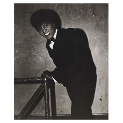Diane Arbus - James Brown backstage at the apollo theater - NYC_ph_anti_bw_vint