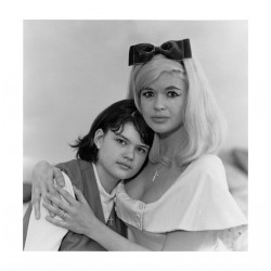 Diane Arbus - Jayne Mansfield climber ottaviano actress with her daughter Jayne Marie - LA_ph_anti_bw_vint