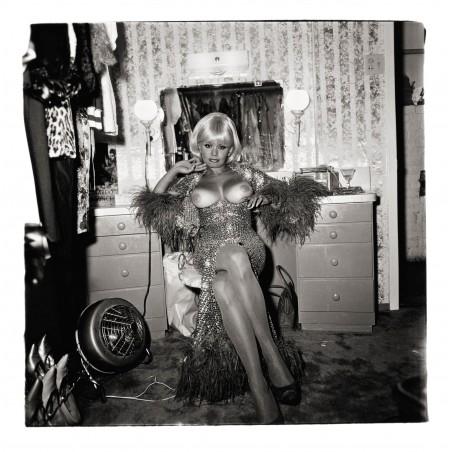 Diane Arbus photo - Topless dancer San Francisco1968_ph_anti_bw_nude_vint