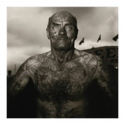 Diane Arbus - Tattooed man at a carnival_ph_anti_bw_vint
