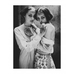 Diane Arbus - Twins_ph_anti_bw_vint_artnet.com+artists+diane-arbus